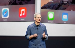 Apple CEO Tim Cook speaks during an Apple event announcing the iPhone 6 and the Apple Watch at the Flint Center in Cupertino, California, September 9, 2014. REUTERS/Stephen Lam (United States - Tags: SCIENCE TECHNOLOGY BUSINESS) - RTR45KU8