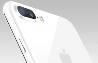 iphone-7-in-jet-white
